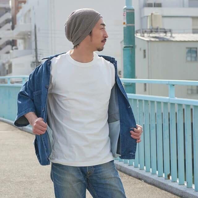 ゆったりとしたサイズ感だから、深め、浅め、ベレー帽の様にとかぶり方も自由自。