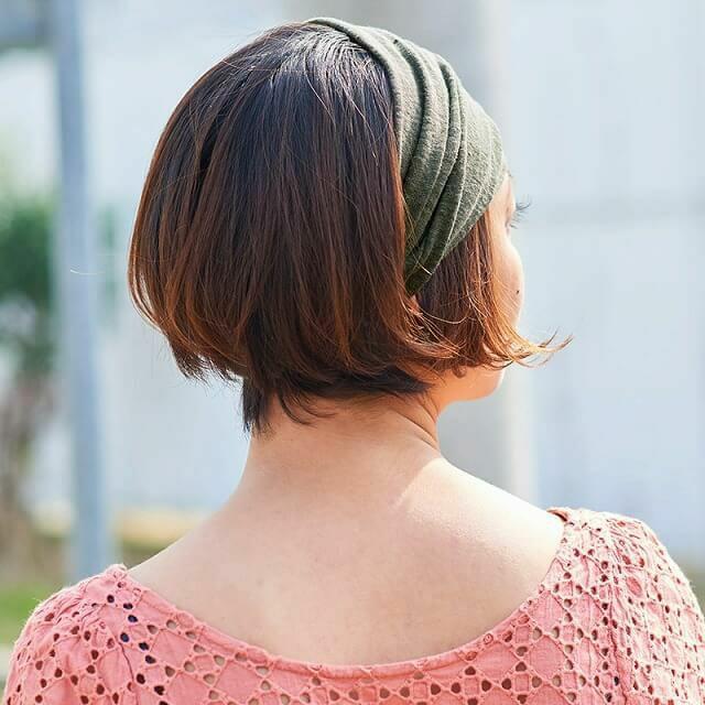 髪を簡単に束ねることが出来ます。